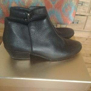 Sam Edelman black leather booties size 9 1/2